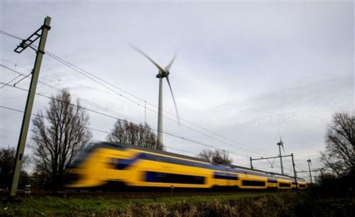 Trein in Brabant haast zich naar volgend station