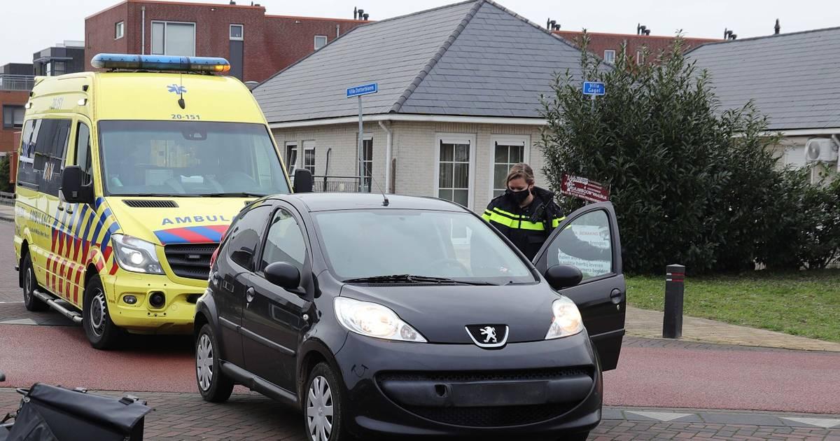 Vrouw op fiets gewond door aanrijding in Waalwijk.