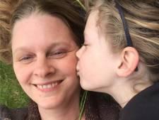 Leven van Jemaine (50) overhoop na ongeluk: 'Ik voel me net een bejaarde, kan mijn dochtertje niet meer alles geven'