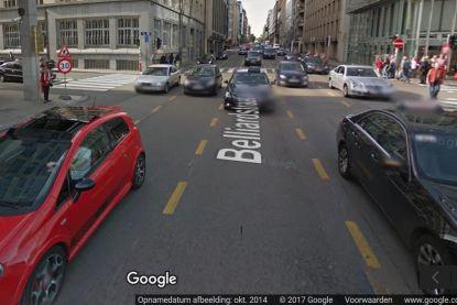 Motorrijder levensgevaarlijk gewond bij ongeval in Brusselse Belliardstraat