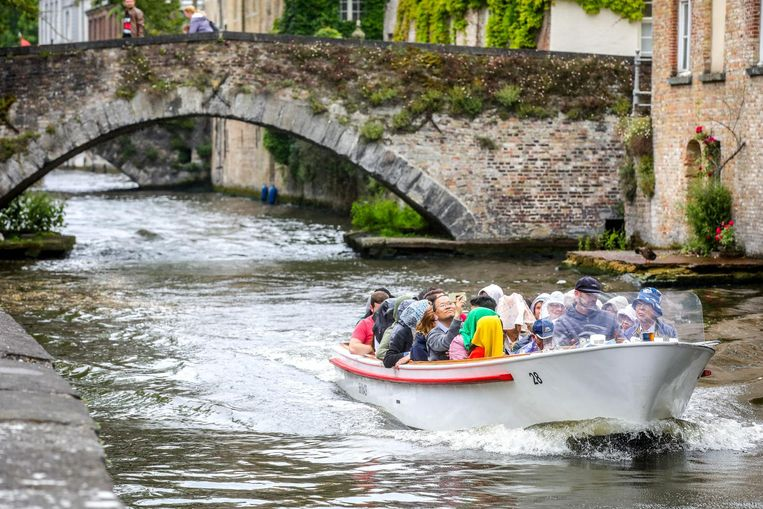 Deze toeristen betalen nu nog 8 euro voor een rondvaart. Vanaf 2019 is dat 10 euro.