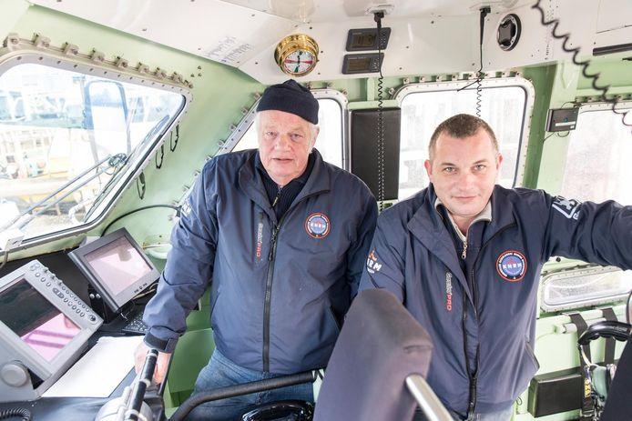 Jaap Pronk en zoon Hugo Pronk in 2016 op de reddingsboot.