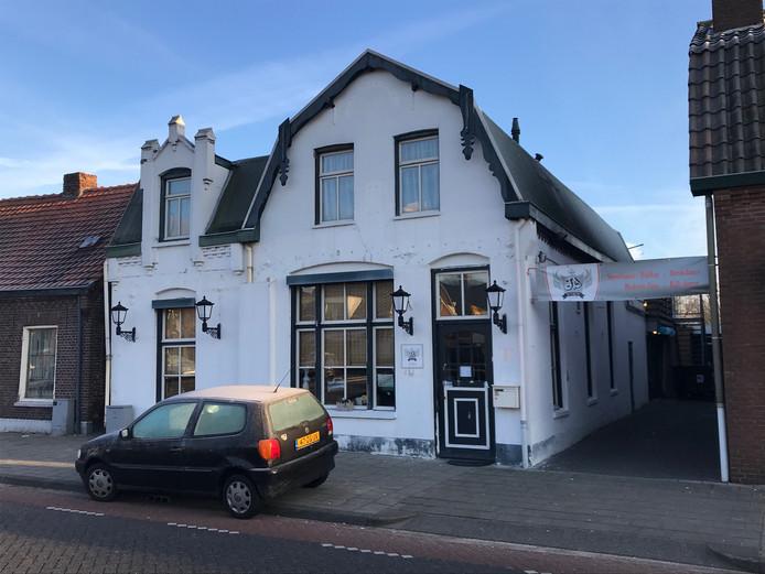Willy's Café is gevestigd in het voormalige Dist Op In en is tijdens de carnaval twee dagen open.