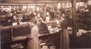 Vrouwen pakken sigaren in, aan het begin van de 20e eeuw.