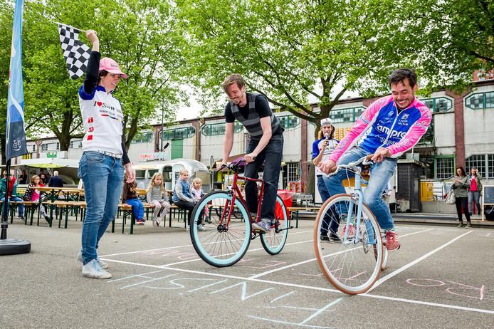 NK slowbiking bij de ronde van Katendrecht.
