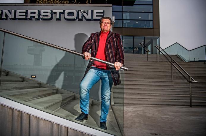 Campingeigenaar Machiel Blom in Rotterdam waar hij zijn kantoor heeft.