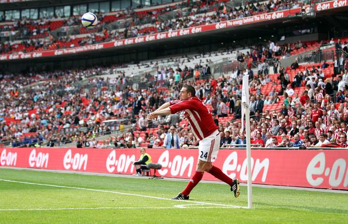 Rory Delap was tussen 2001 en 2013 namens Southampton, Sunderland en Stoke City een cultheld in Engeland vanwege zijn verre en strakke inworpen. Het leverde zijn clubs tientallen goals op.