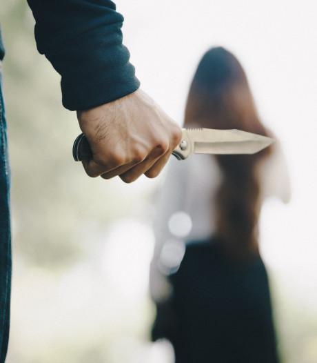 Man die vriendin met messteken om het leven bracht zit in Pieter Baan Centrum