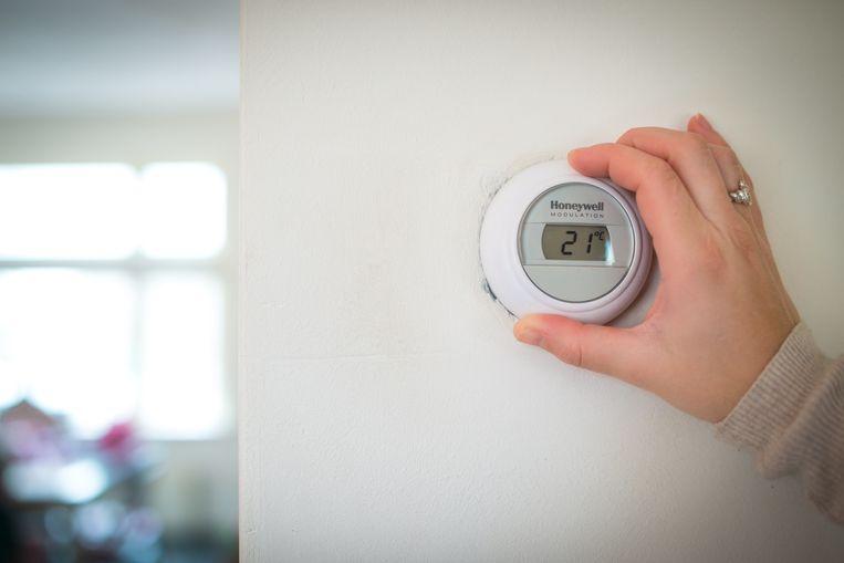 De verwarmingscoach checkt of ook de thermostaat correct staat ingesteld