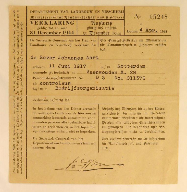 De Ausweis van Jo van der Laan alias Jo de Rover Beeld Steven van Koeverden