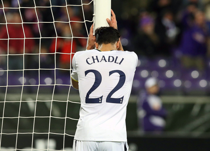 Nacer Chadli baalt na de uitschakeling door Fiorentina.