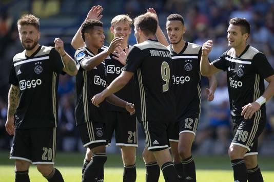 Ajax steekt samen met PSV uit boven de rest.