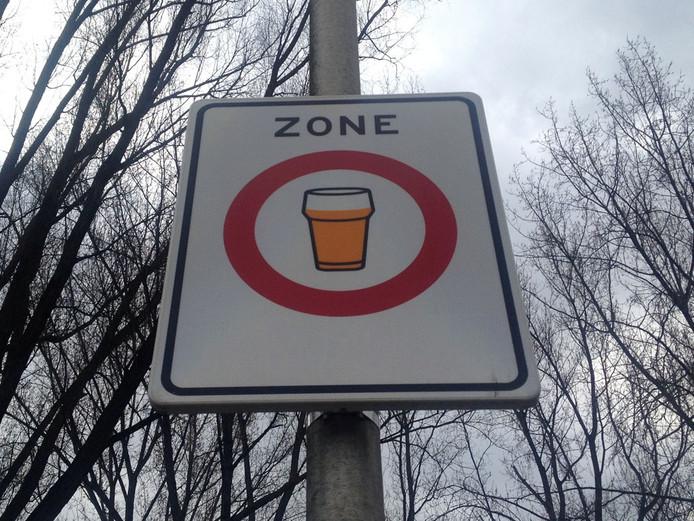 In Bathmen is het per direct verboden om alcohol te nuttigen op straat.
