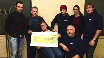 Jenthe kreeg een cheque van 1.000 euro