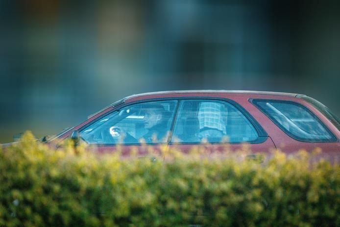 Volkert van der Graaf in zijn auto bij zijn woning in Harderwijk.
