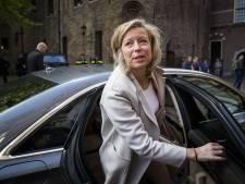 Medewerkers Belastingdienst, FIOD en douane staken dinsdag in Arnhem voor meer loon