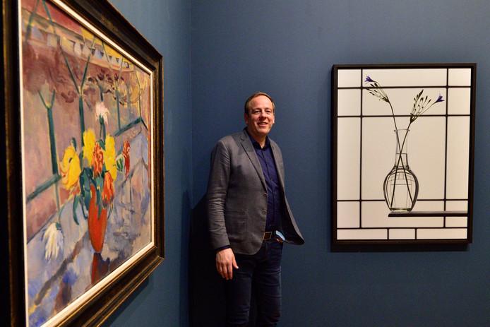 Conservator Ingmar Reesing van Museum Gouda bij de expositie Stilleven, die vanaf morgen te zien is.