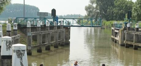 Ottersluis bij Sliedrechtse Biesbosch is kapot