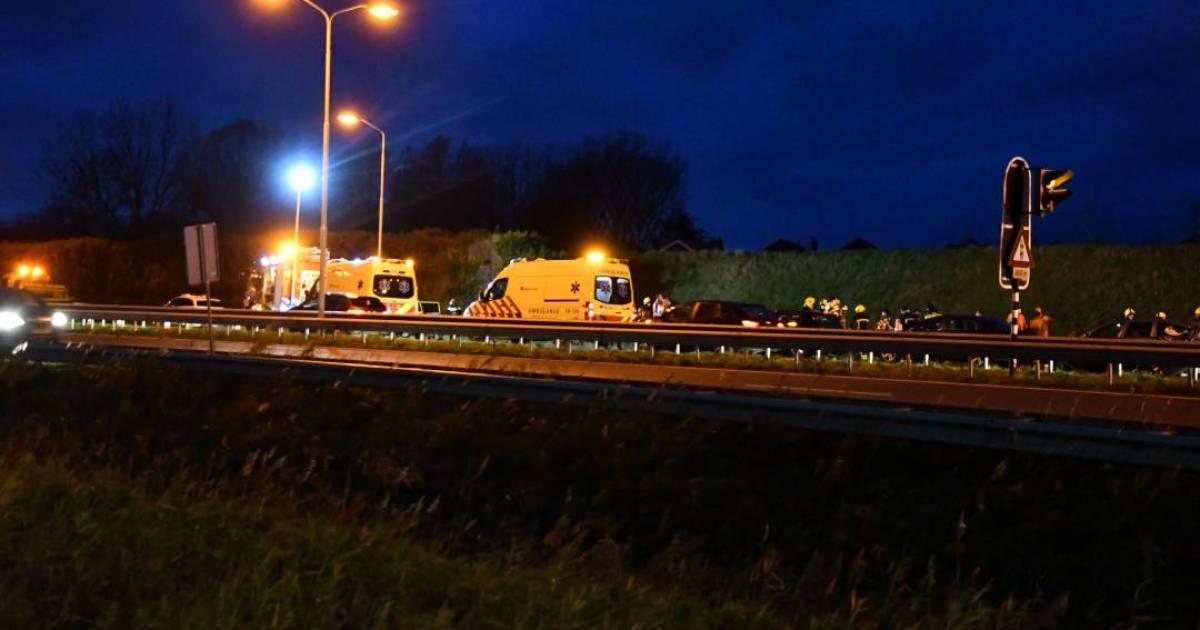 Ongeval A58 bij Oost-Souburg, vier autos weggesleept.