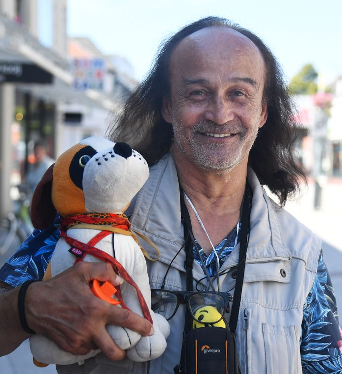Nico 'Nicolientje' Louwerse werd op de ochtend van de gewraakte donderdag 30 juli nog lachend vastgelegd door fotograaf Ruben Oreel voor de Vlissingse portettenrubriek van Helge Prinsen, 'Ik ben Vlissingen'.