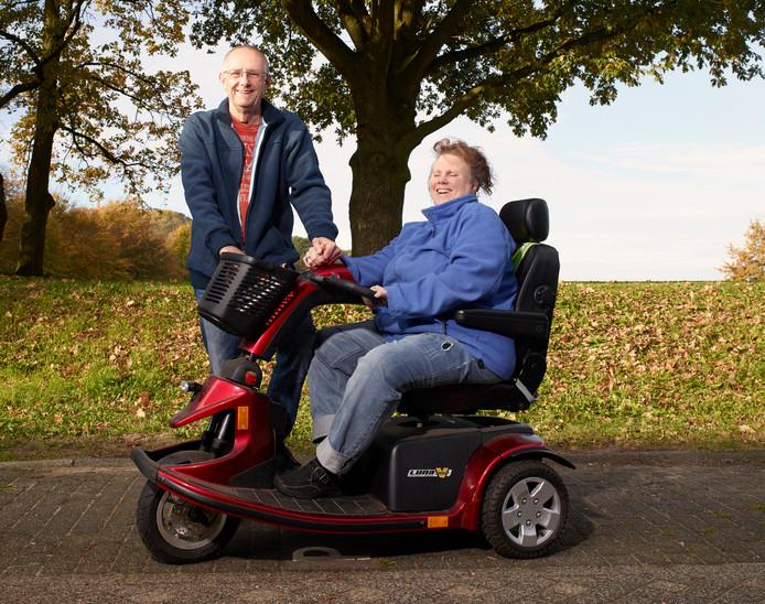 Ton Terpstra zorgt al vijf jaar intensief voor zijn vrouw Francis, die MS heeft.