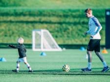 Kevin De Bruyne s'entraîne avec son fils de trois ans