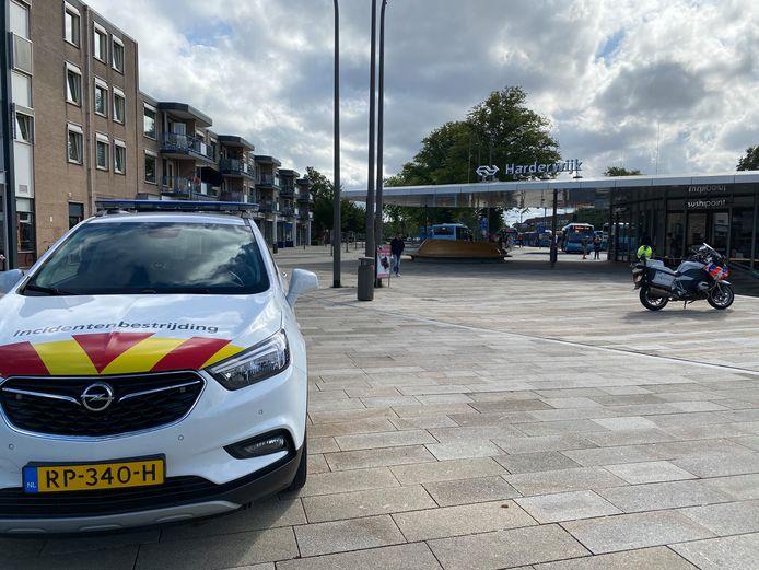 Politie en Incidentenbestrijding van Prorail in Harderwijk.