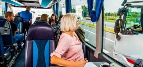 Touringcar politie schuimt snelweg af: weer 200 bekeuringen voor appen en bellen