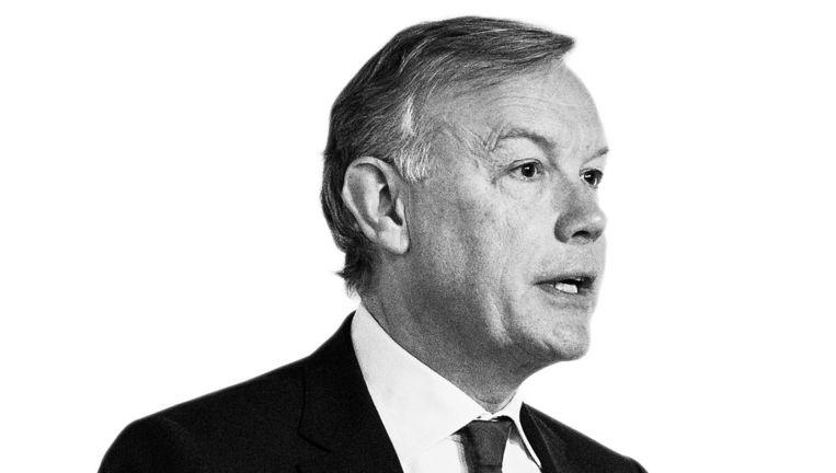 Hoe zal Jos Nijhuis, bestuursvoorzitter van Schiphol, reageren als wethouder Kajsa Ollongren hem vraagt zijn salaris met zo'n zeven ton te verlagen? Beeld anp