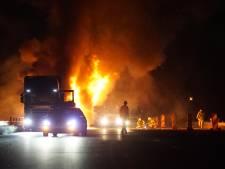 Vlammenzee op de snelweg A1 bij Bathmen, snelweg weer open
