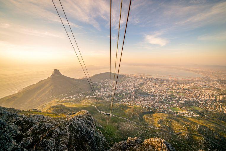 Kabelbaan langs de Tafelberg, Kaapstad. Beeld Getty Images