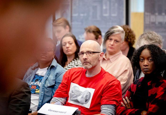 Gedupeerde ouders tijdens de persconferentie over het eindrapport van de adviescommissie uitvoering toeslagen in maart van dit jaar.