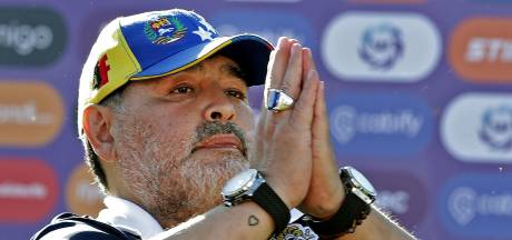 Maradona démissionne deux jours et revient