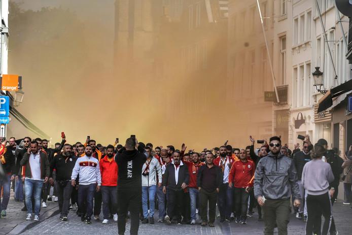 Turkse fans palmen Brugge in