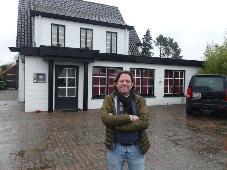 Antoine Simons bij zijn toekomstige ribbetjesrestaurant Va & Vient in Astene.