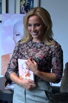 Fien Vermeulen in boek openhartig over kanker: 'Je bent jezelf niet meer'