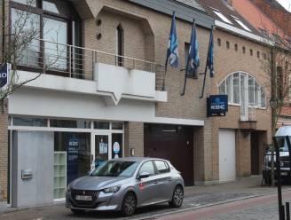 """KBC-kantoor Zomergem wordt automatenkantoor: """"Klanten worden begeleid om overstap te maken naar kantoor Eeklo"""""""