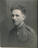 De Poolse parachutist Jozef Wojciechowski, pasfoto uit waarschijnlijk 1943.