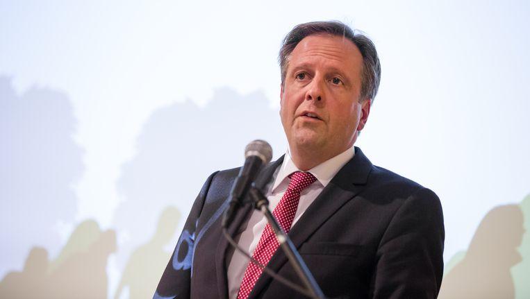 Alexander Pechtold (D66) spreekt tijdens een vluchtelingenavond van D66 in het voormalige Ministerie van SZW. Beeld anp