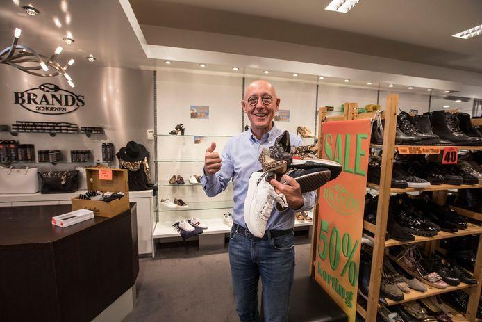 Eric Brands stopt met de schoenenzaak Brands' in Helmond, die in 1958 open ging.