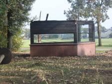 Verdriet en woede om afgebrande schuilhut in Ommen: 'Tranen in de ogen'