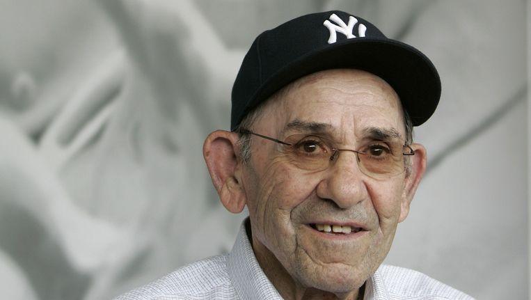 Yogi Berra in 2010. Hij draagt, toepasselijk, een New York Yankees-petje. Beeld ap