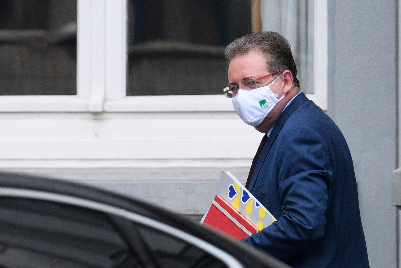 Brussels minister-president Rudi Vervoort gaat vrijwillig in quarantaine.