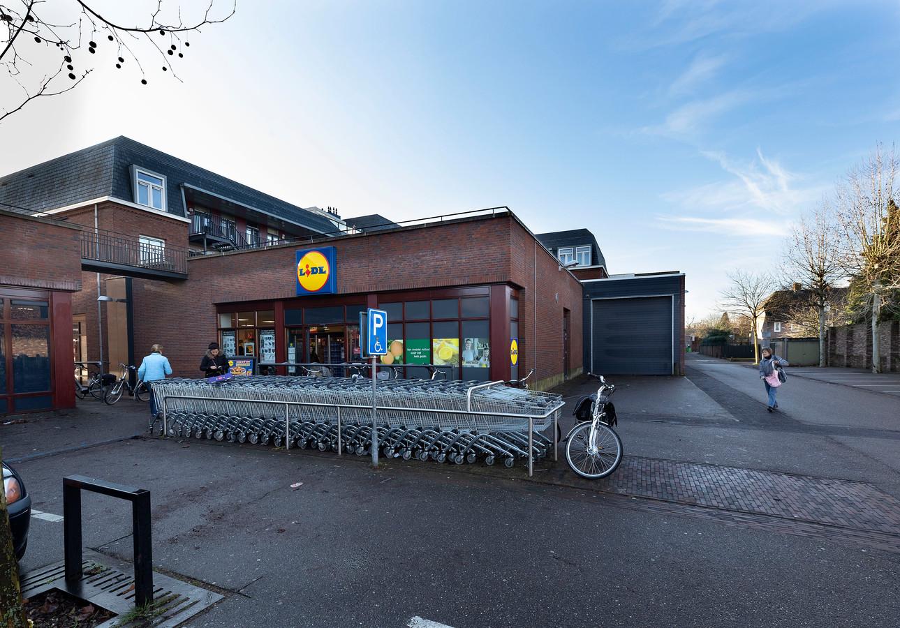 EERSEL-Het huidige Lidl-filiaal in de Nieuwstraat. De supermarktketen wil op een andere locatie in dezelfde straat een groter pand bouwen.