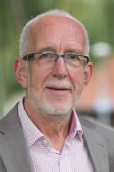 Wethouder Knol van Zwartewaterland zwaar onder vuur over bemoeienis met bouw Knarrenhof