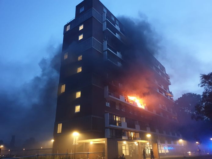 Brand in flat aan de Jan Wiegersstraat in Hengelo.