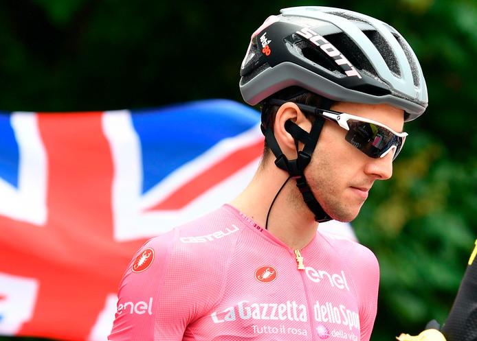 Simon Yates reed tijdens de afgelopen Giro lang in het roze.