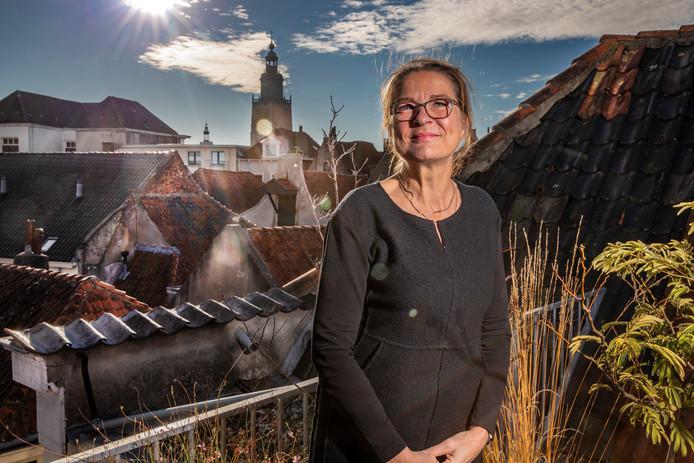 Agnes Wolbert uit Zutphen is directeur van de Vereniging voor een Vrijwillig Levenseinde (NVVE). ,,Ik wil mensen helpen niet afhankelijk te zijn van toeval.''