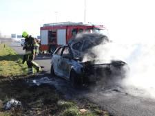'Net aangeschafte' Audi vliegt in brand op A2 bij Deil