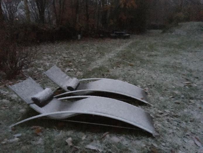 In Heikant blijft de eerste sneeuw liggen.